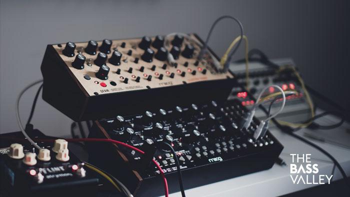 thebassvalley blog sintetizadores - Home Studio. 5 Sintetizadores Buenos Bonitos y Baratos