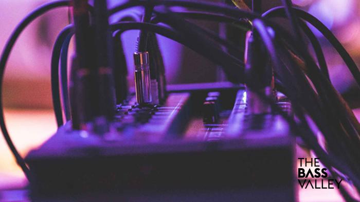 tutorial conexion hardware y software 1 - Tutorial de conexión Hardware / Software con mesa de mezclas